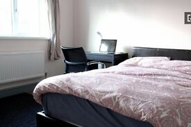 Single Bed in Rooms to rent for professionals in modern 5-bedroom house with garden in Tower Hamlets