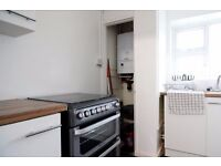 Double Bed in Rooms for Professionals and Postgraduates in 4 Bed Flat in Camberwell, Bills Included