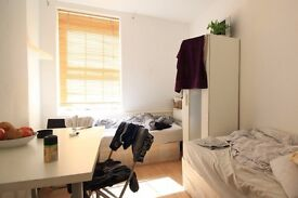 Twin Beds in Rooms to rent in a functional 3-bedroom flat in Ashbury in lively Islington