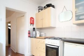 Rooms to rent in cozy 4-bedroom house in Newham