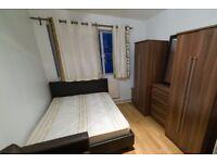 Rooms to rent in modern 5-bedroom flatshare in Putney
