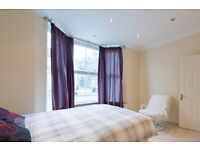 Double Bed in Rooms to rent in large 8-bedroom house in Tooting Broadway