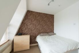 Spacious room with ample storage in 3-bedroom flat, Lambeth