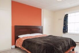 Spacious Room for Females in Shared Family Home in Putney - Bills Included