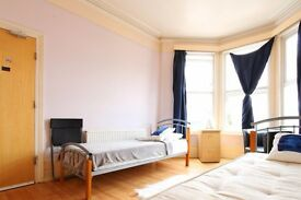Double Bed in Rooms to rent in 8-bedroom houseshare with 2 kitchens and terrace in Harringay