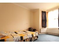 Double Bed in Rooms to rent with bills included in a 6-bedroom house in Harringay