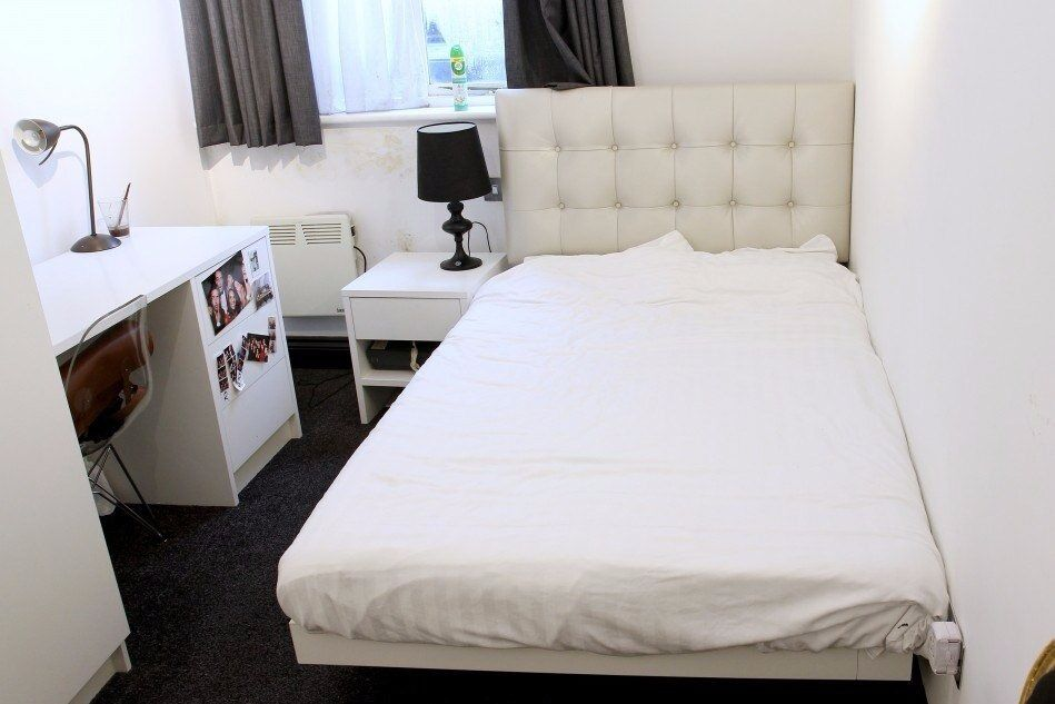 Double Bed in Stylish Rooms Next to University College London, Kings Cross and Euston -