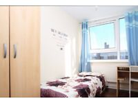 Rooms for rent in a 5-bedroom flatshare in Langdon Park, near Poplar, zone 2