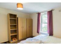 Twin Beds in Rooms to rent in 5-bedroom flatshare in Bethnal Green