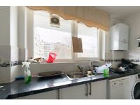 Double Bed in Room to rent in a 3-bedroom apartment in Barnsbury, close to Kings Cross