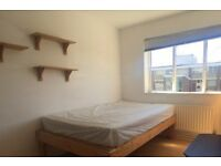 Double Bed in Rooms for rent in 5-bedroom flatshare close to the University of Roehampton
