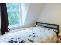 Double Bed in Rooms with double beds to rent in 5-bedroom apartment with terrace in Southwark
