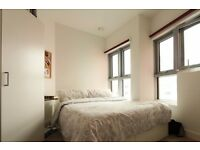 1 room to rent in a modern 2-bedroom apartment in Canning Town, London