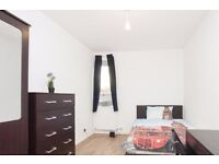 Double Bed in 6 Bedrooms Available in Renovated Apartment With Dryer in Wandsworth Area