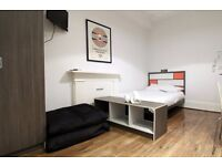 Double Bed in Stylish Studios for Students or Professionals near Hyde Park and Oxford Street