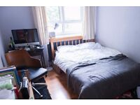 Rooms to rent in spacious 4-bedroom flatshare with balcony - Islington