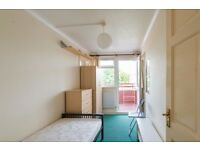 Single Bed in Rooms available for rent in 5-bedroom flatshare near Finsbury Park