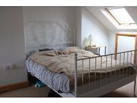 Double Bed in Six Rooms For Professionals in Shared House With Gym, Sauna and Garden in Newham