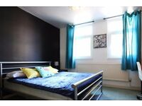 Double Bed in Rooms to rent in spacious 6-bedroom house with garden in central City of Westminster