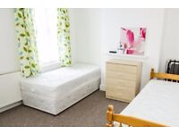 Twin Beds in Rooms to rent for professionals in stylish house with garden in Walthamstow area