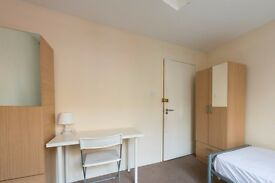 Single Bed in Rooms to rent in modern 6-bedroom house in Westminster, London