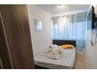 Double Bed in Rooms to rent in a 4-bedroom flatshare in Putney
