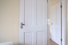 Double Bed in 6 Rooms to rent for professionals in sunny house with garden in Perivale area