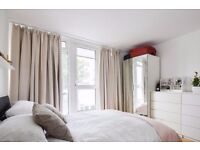 Double Bed in Furnished rooms to rent in a 4-bedroom apartment in East Putney