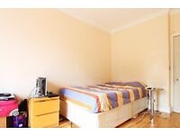 Double Bed in Rooms to rent with bills included in a 5-bedroom flat in Lewisham, professionals only