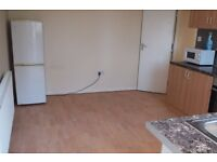 Single Bed in Rooms for rent in well located 5-bedroom flat with roof terrace in Lambeth