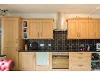 Double Bed in Rooms to rent in 4-bedroom flatshare in Roehampton, close to Roehampton University
