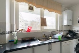 Room to rent in a 3-bedroom apartment in Barnsbury