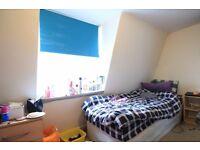 Rooms to rent in a cozy 3-bedroom flatshare - Camden