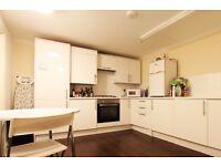 Double Bed in Rooms to rent in 4-bedroom, handicap accessible flat in Acton