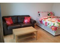 Double Bed in Room for rent in a 3-bedroom apartment in Shepherds Bush