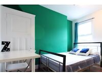 Double Bed in rooms for rent in a 6-bedroom houseshare in Shoreditch