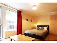 Double Bed in Rooms to rent in 4-bedroom house in New Cross, close to Goldsmiths University