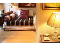 Double Bed in Bohemian Room with Double Bed in Luxury Victorian House in Kensington