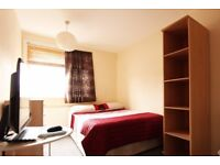 Spacious rooms to rent in 5-bedroom houseshare with terrace - West Green