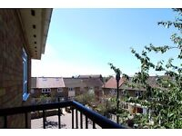 Double Bed in Rooms to rent in cosy and convenient 2-bedroom flat in Plaistow