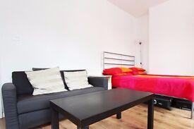 Spacious rooms to rent in 3-bedroom flatshare - Southwark