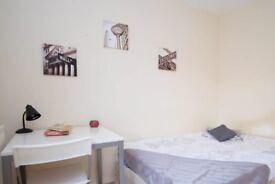 Spacious room in 6-bedroom apartment in Lambeth