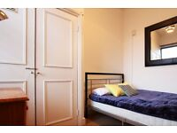 Double Bed in Rooms available for rent in 3-bedroom flatshare in Battersea