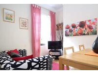 Rooms to rent in 6-bedroom house with garden in Southwark, Travelcard Zone 2