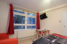 Rooms to rent in cosy 6-bedroom flat in tranquil Putney