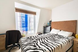 Double Bed in Furnished rooms to rent in a 3-bedroom flat in Lambeth, postgraduates