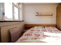 Single Bed in 4 Rooms for Rent in 4 Bed Flat with Balcony, near Bermondsey Station - Bills Included