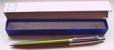 PARKER JOTTER in OLIVE, DOMED TYP, in ORIGINAL U.S.A. BOX DATED FEBRUARY  1961 !