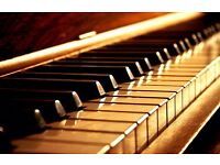 Inspiring piano lessons with qualified teacher