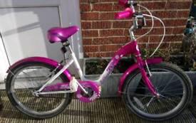 Girls 20 inch Paris Bike in Excellent condition